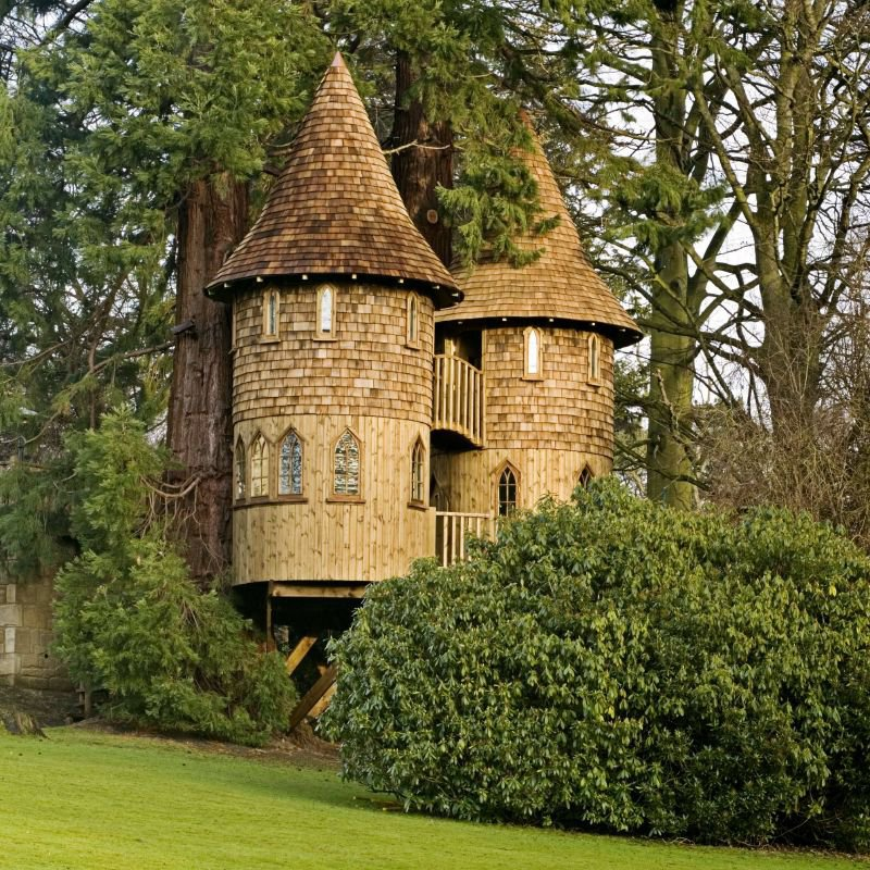 The Castle-15 Amazing Tree Houses Ever