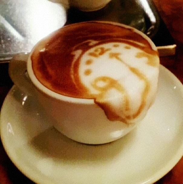 The Melting Clock-Top 15 Creative 3D Cafe Latte