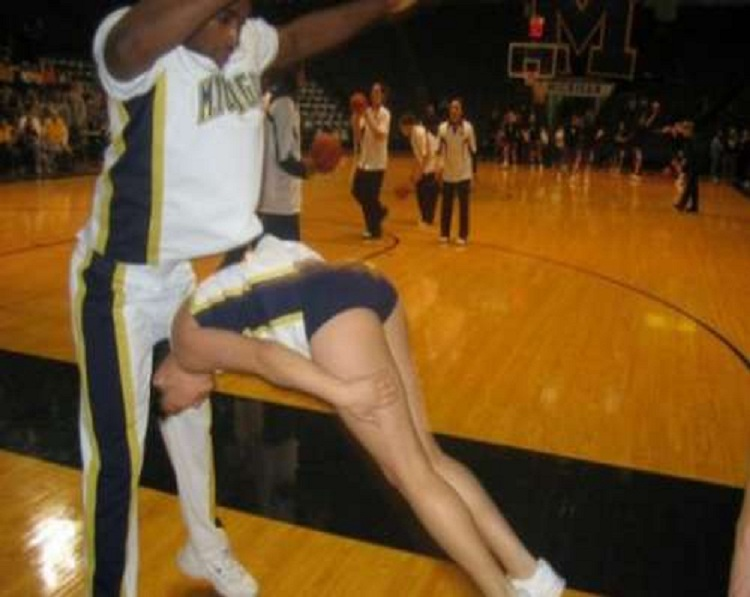 The single fall-Top 15 Cheerleading Fails That Will Make You Lol