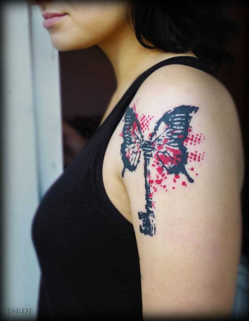 This Unique Trash Polka Tattoo On Shoulder-12 Trash Polka Tattoos You Need To See If You Are Planning To Get One