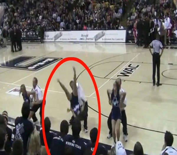 Upside down-Top 15 Cheerleading Fails That Will Make You Lol