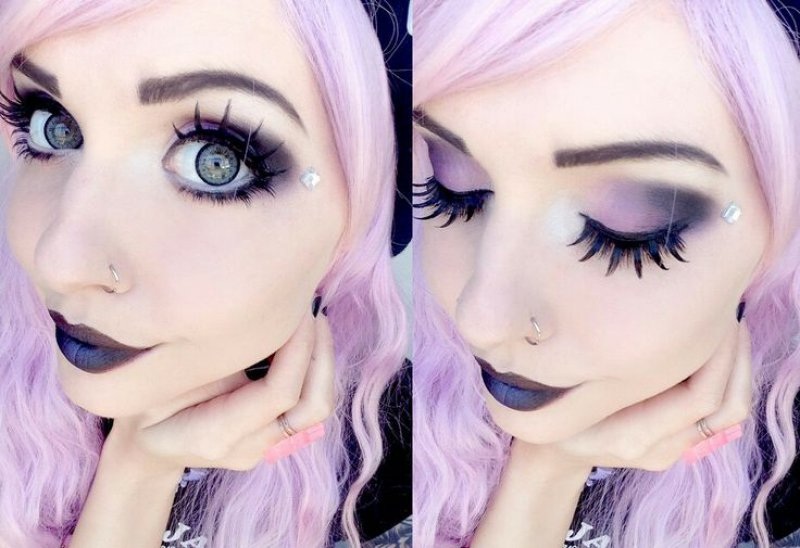 Work On Your Makeup Skills-12 Ways To Become A Pastel Goth