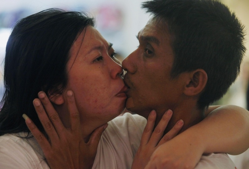 World's Longest Kiss-15 Mind Blowing Facts About Kissing