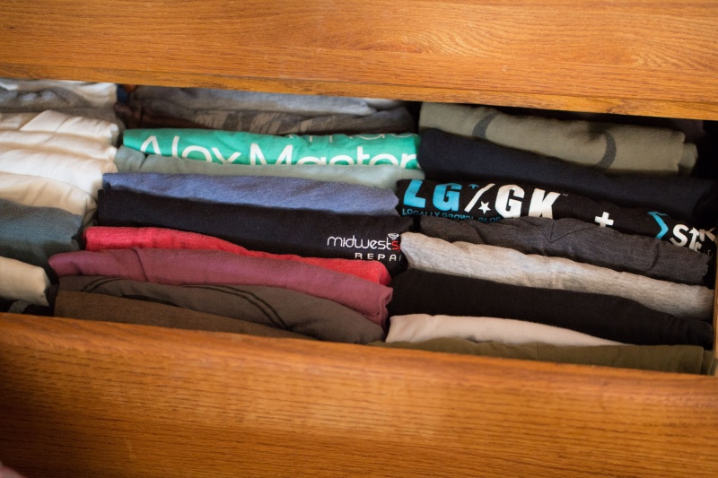 Stack Your Clothes Vertically-15 Lazy Hacks That Will Make Your Life Simpler