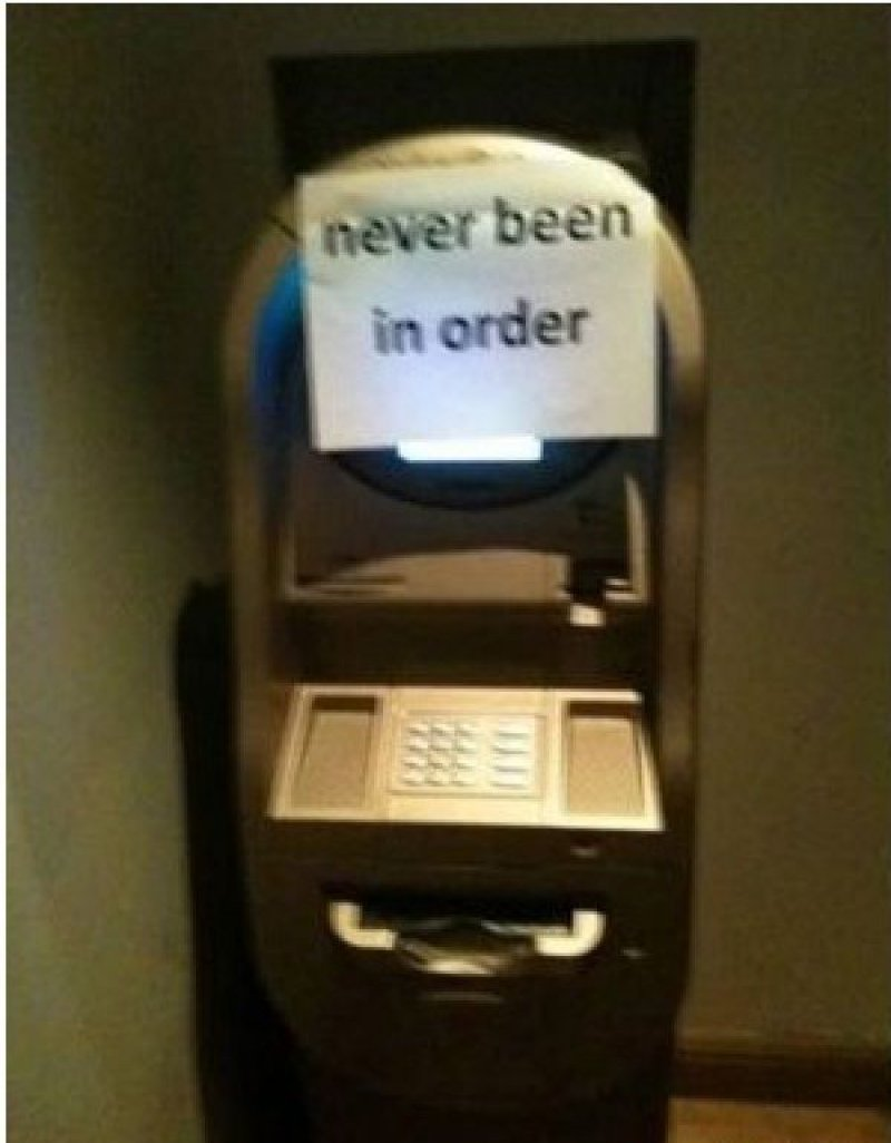 Dummy ATM Machine-12 Funniest Out Of Order Signs Ever