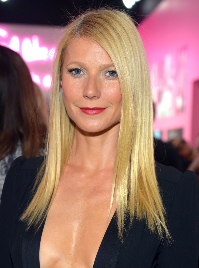 Gwyneth Paltrow-Snake Venom-12 Disgusting Celebrity Habits You Probably Don't Know About