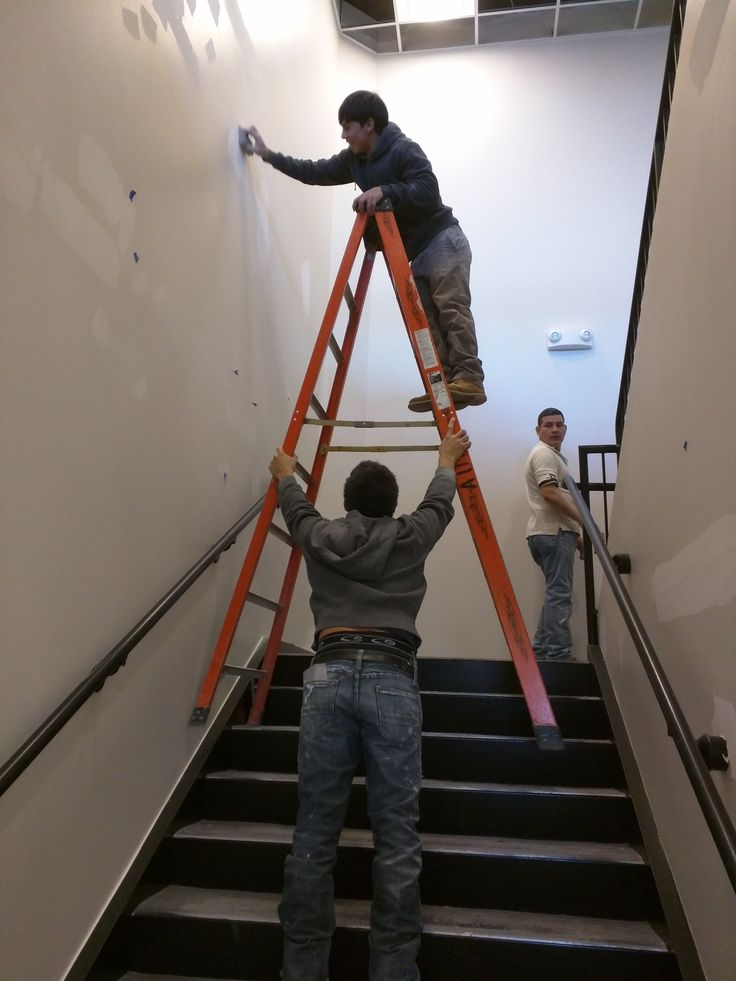 When Ladder Got Hands-15 Workers Who Are Doing It Totally Wrong