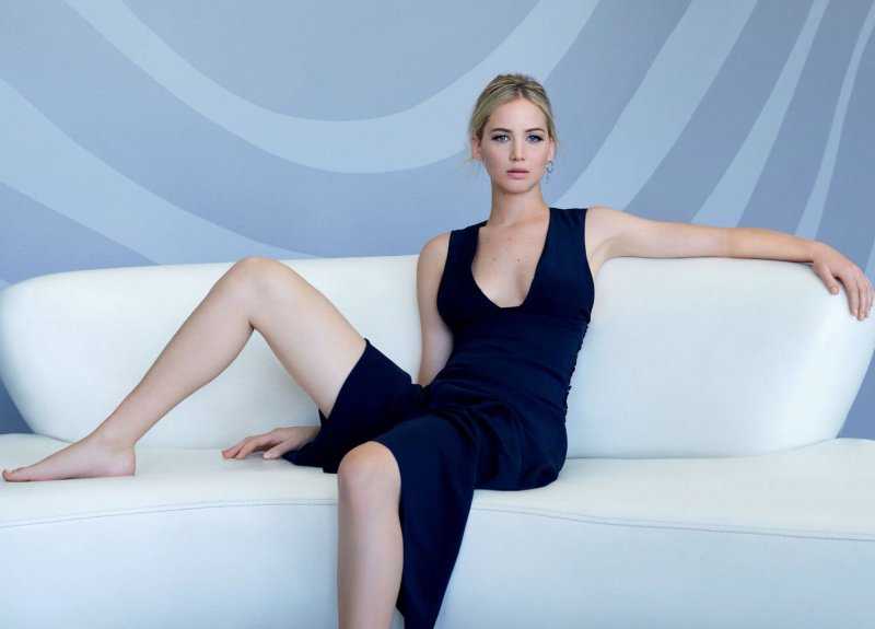 Jennifer Lawrence Feet And Legs-23 Sexiest Celebrity Legs And Feet