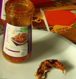 dead Mouse In Curry Jar.-15 Most Disgusting Things People Ever Found In Their Food