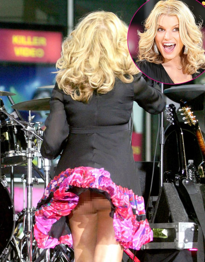 top 15 worst celebrity wardrobe malfunctions