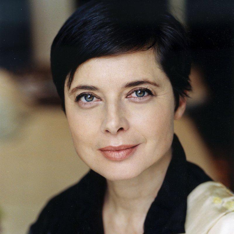 Isabella Rossellini-12 Female Celebrities Who Never Had Plastic Surgery