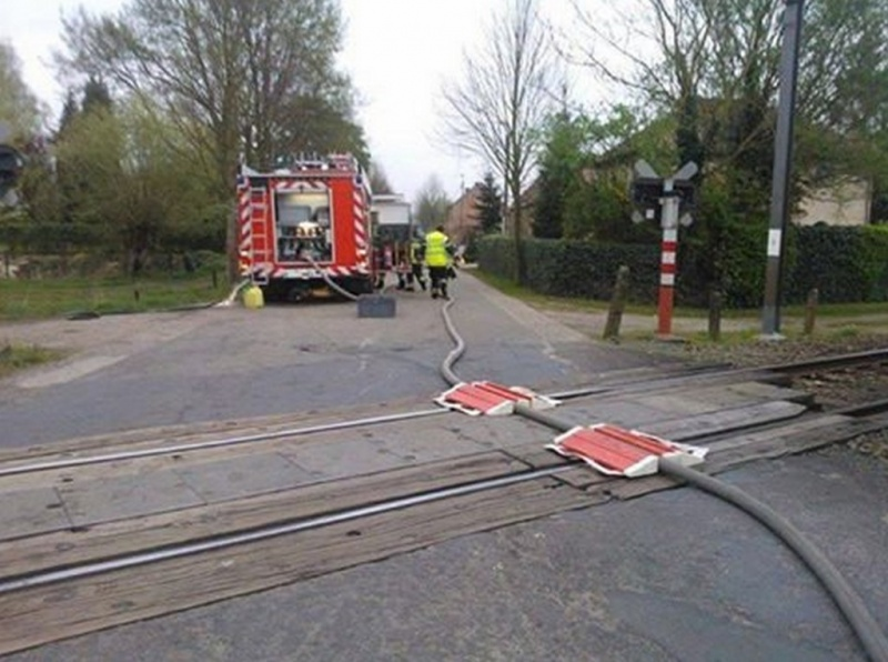 Train Will Just Cross this Thing-15 Workers Who Are Doing It Totally Wrong