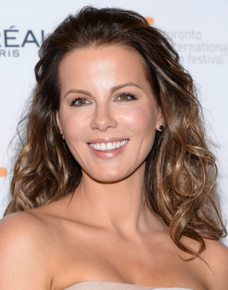 Kate Beckinsale (42 Years)-15 Celebrities Who Don't Age Like Other Human Beings