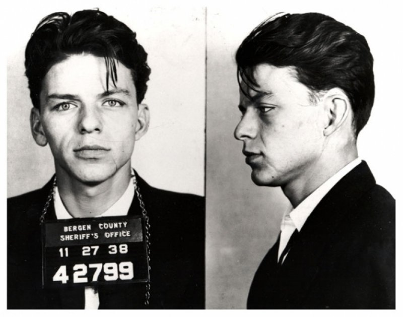 Frank Sinatra-15 Celebrities Who Spent Time In Prison