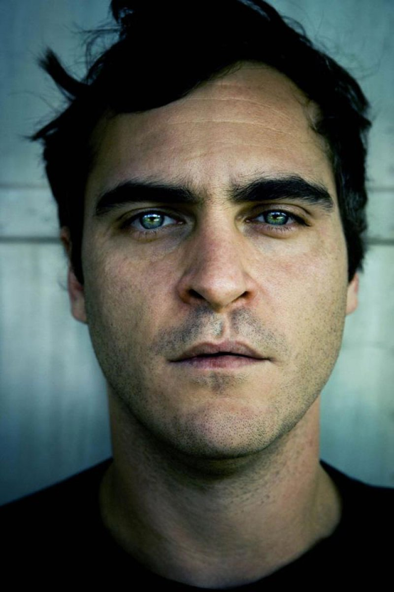Joaquin Phoenix - Lip Scar-15 Celebrities With Strange Physical Flaws You Probably Don't Know About