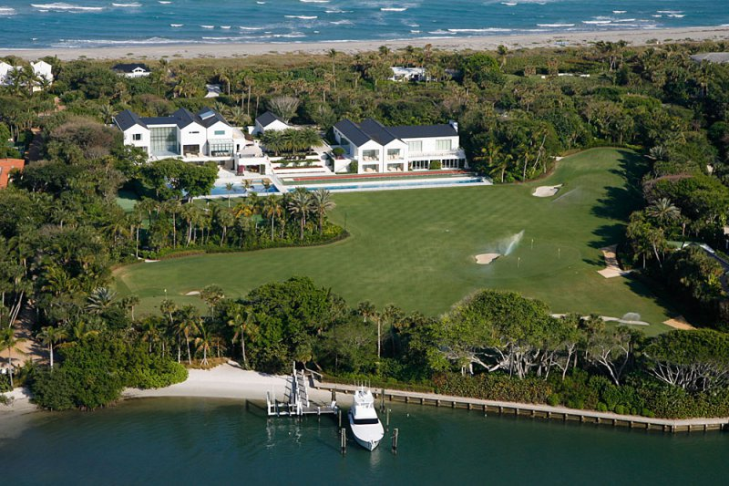 Tiger Woods-15 Amazing Celebrity Houses That Are Worth Millions
