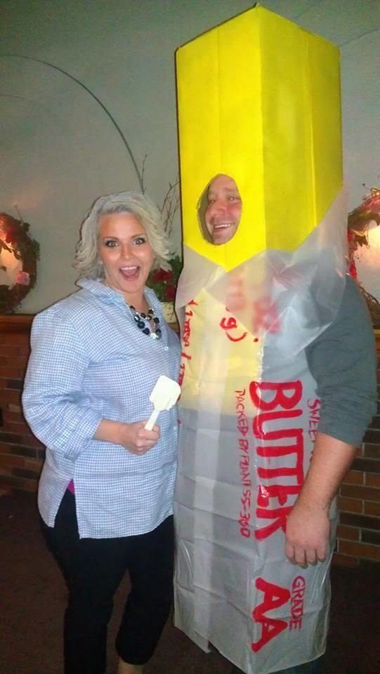 Paula Deen and Butter Costume-Fifteen Halloween Couple Costumes That Are Super Amazing