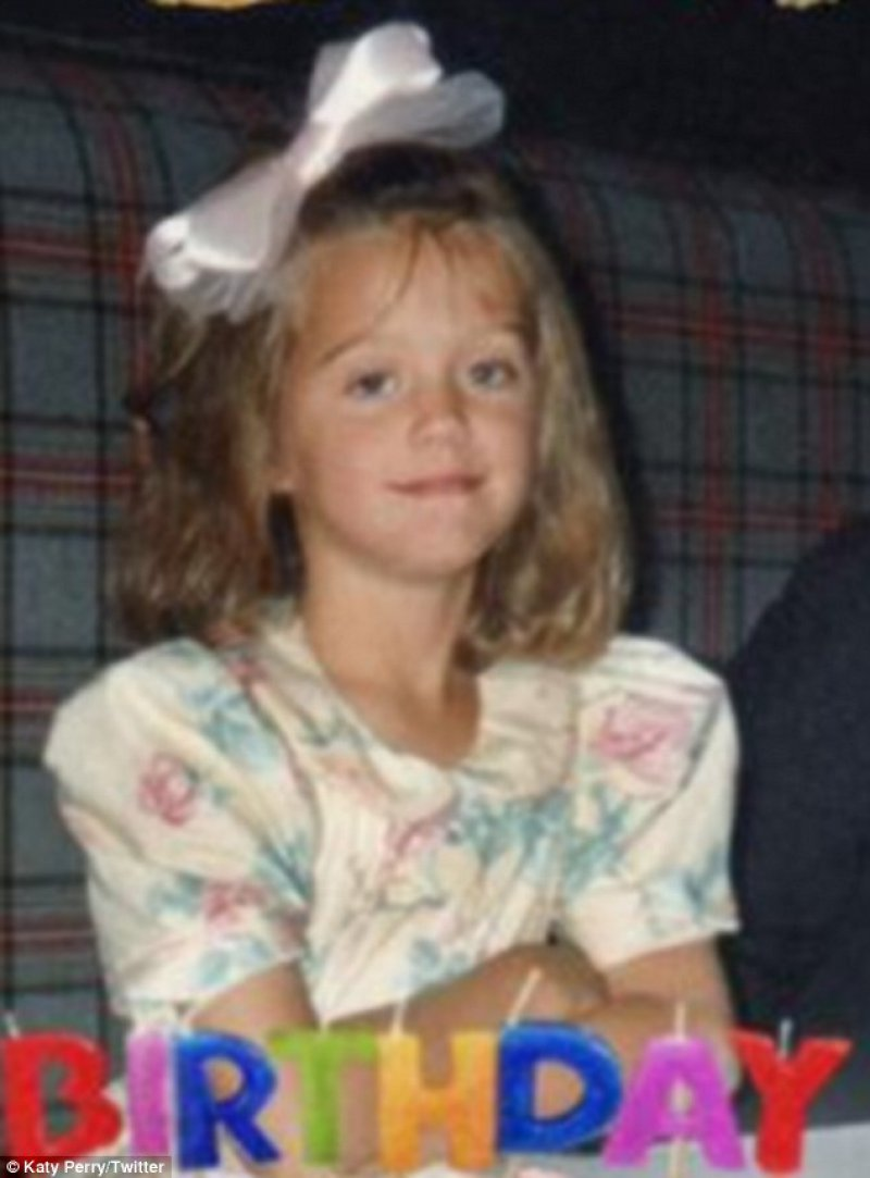 Katy Perry-15 Cutest Childhood Photos Of Famous Celebrities