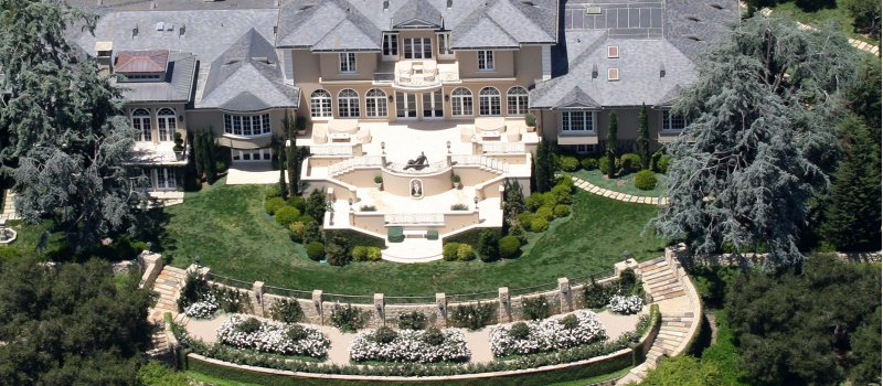 Oprah Winfrey-15 Amazing Celebrity Houses That Are Worth Millions