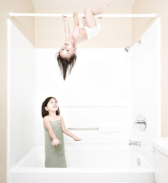 Don't worry sister i will catch you..-Crazy Photos Of Daughters By Their Dad