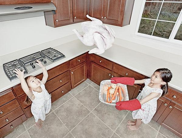 Catch that chicken sister!!-Crazy Photos Of Daughters By Their Dad