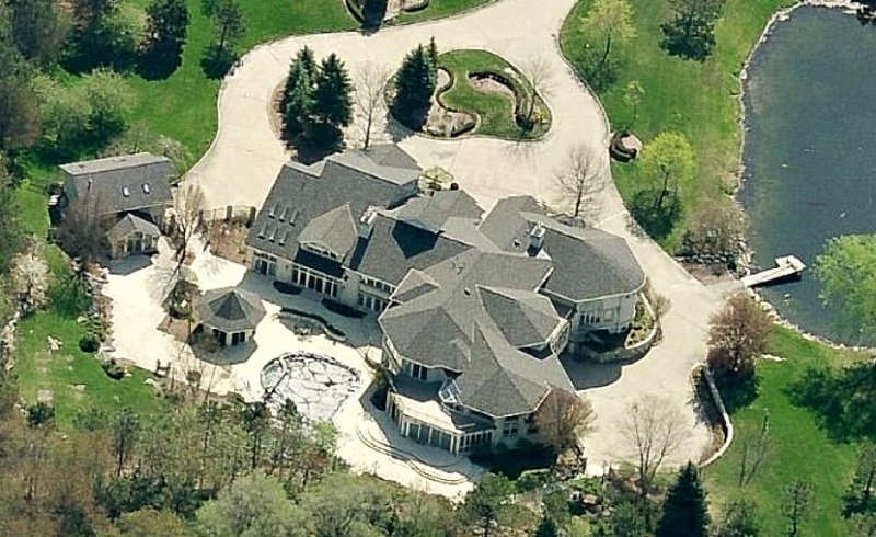 Eminem-15 Amazing Celebrity Houses That Are Worth Millions