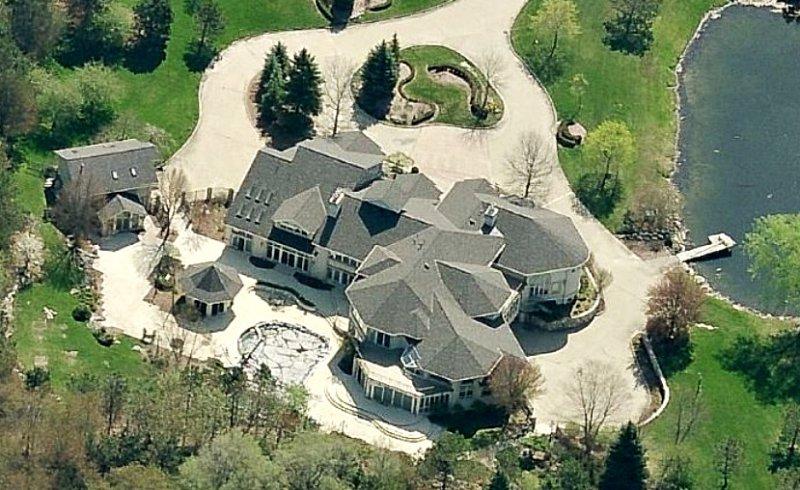 Eminem-15 Amazing Celebrity Houses That Are Worth Millions