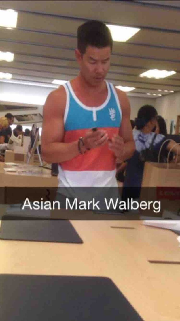 Mark Wahlberg, Is That You?-15 Hilarious Things Ever Happened In Apple Stores