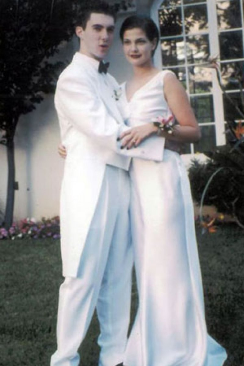 Adam Levine Prom Photo-15 Rare Unseen Celebrity Prom Photos