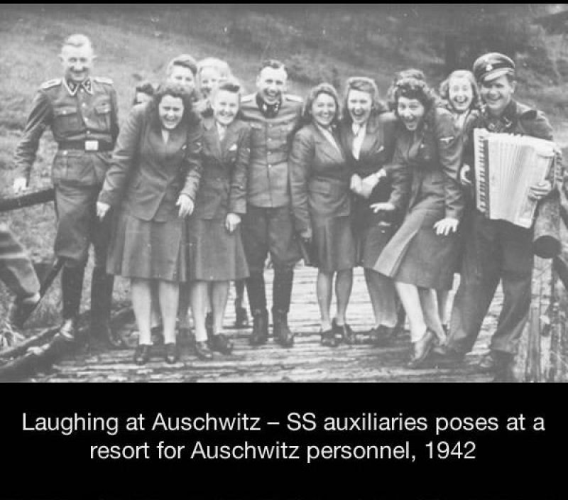 SS Auxiliaries Laughing at Auschwitz -15 Historical Pictures That Are Really Shocking