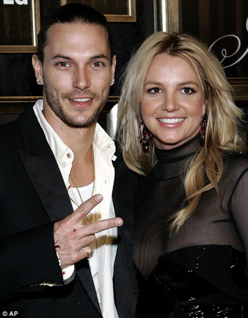 Kevin Federline Cheated On His Ex-Fiance With Britney Spears-15 Celebrities Who Cheated On Their Partners