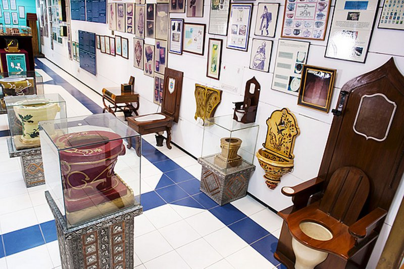 Sulabh International Museum of Toilets, New Delhi, India-15 Weirdest Museums Around The World