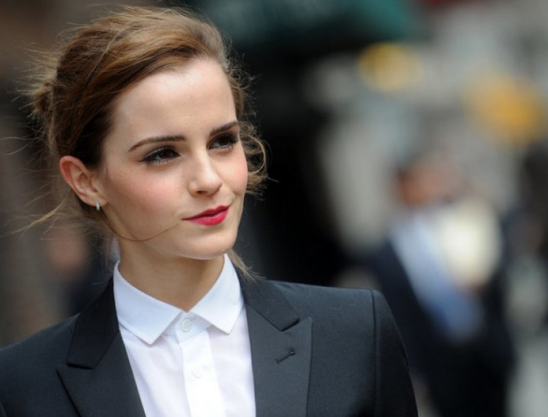 You Don't See Her in News for Wrong Reasons-15 Reasons Why Emma Watson Is The Perfect Beauty With Brain Girl