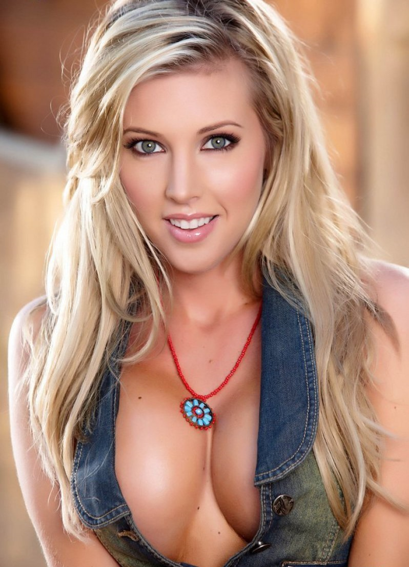 Samantha Saint-Top 30 Hottest Pornstars To Watch Out In 2017