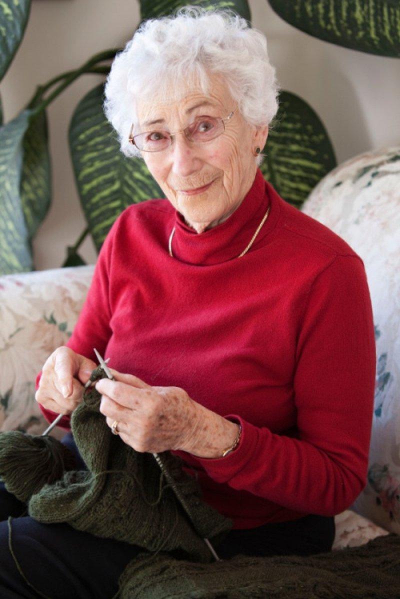 Get Knitting Grandma : People confess the craziest things their grandmas ever said