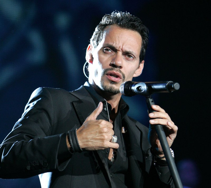 Marc Anthony-12 Celebrities Who Stuttered When They Were Kids