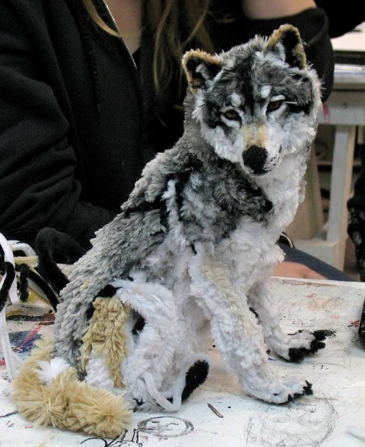 This Wolf Isn't Real-15 Images That Look Fake, But Are Actually True