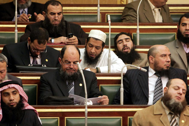 When Politicians Take a Nap-15 People Who Were Caught Taking A Quick Nap At Work