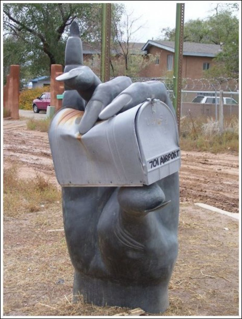 If You Deliver Things Late, I Will Crush You-15 Weirdest Yet Hilarious Mailboxes You'll Ever See