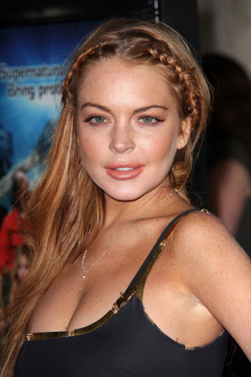 Lindsay Lohan - Shoplifted Everything But The Kitchen Sink-12 Celebrities Who Got Caught Shoplifting