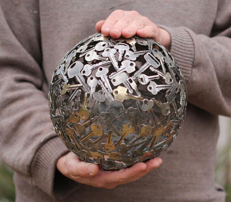A Beautiful Looking Metal Sphere Made out of Keys-15 Beautiful Items That Are Carved Out Of Scrap