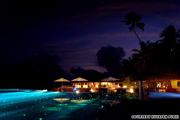 Huvafen-fushi-15 Most Amazing Swimming Pools You Must Visit