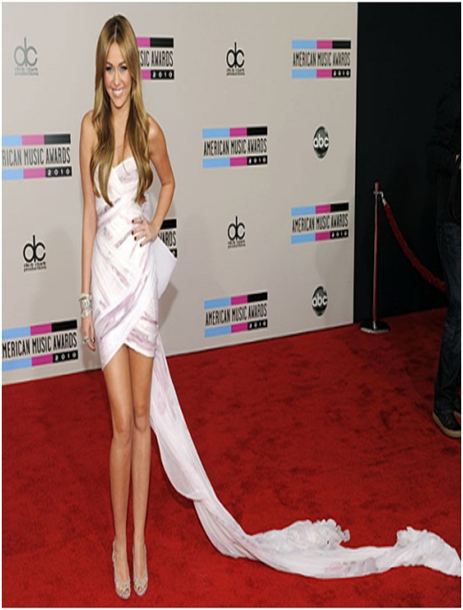 Miley Cyrus' Toilet Paper Dress-Embarrassing Red Carpet Flops