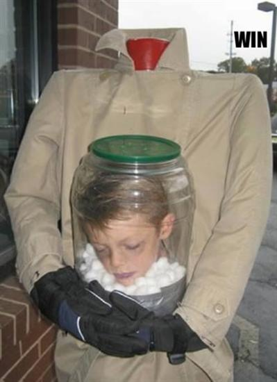 Head in the Jar costume-Creepiest Halloween Costumes