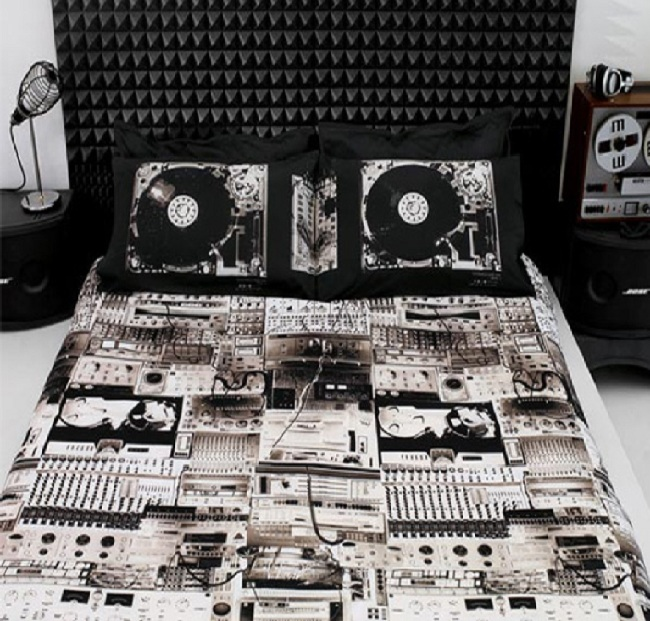 diesel Turntable bedding-15 Most Insane Bed Sheets That Will Make You Say WTF!