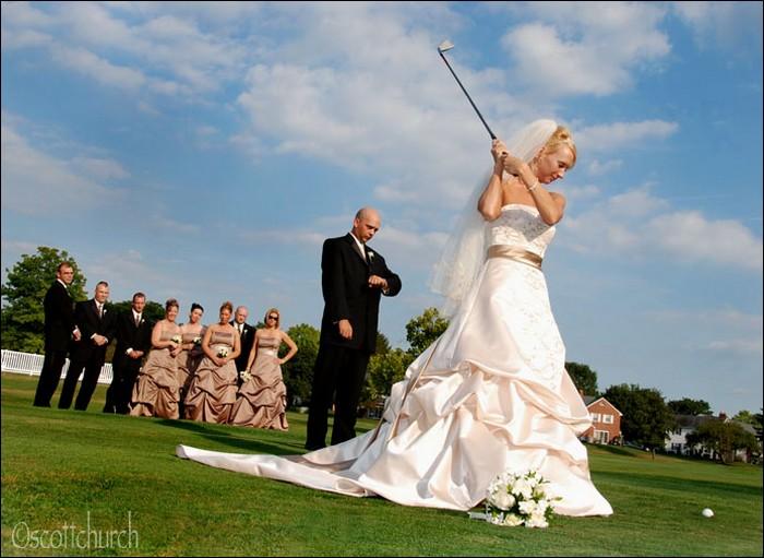 Now you can strike the ball!!-Hilarious Wedding Photos