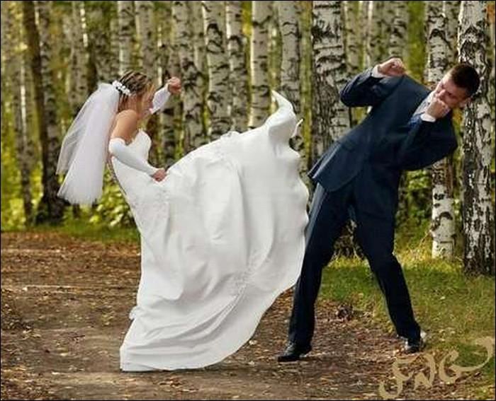 Take that you idiot-Hilarious Wedding Photos