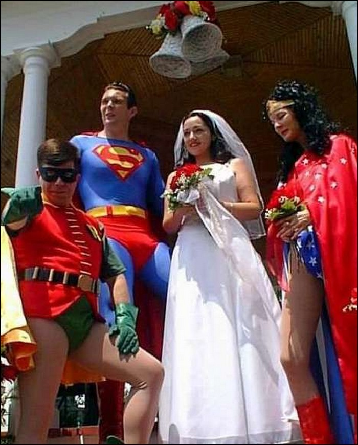 Superheroes in your wedding?-Hilarious Wedding Photos